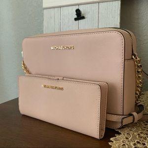 New MK set 💕 Pink ballet bag and wallet